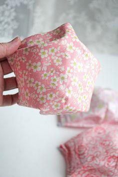 in 20 Minuten fertig: Alltagsmaske * TUTORIAL * ready in 20 minutes: replacement mask Knit Crochet, Coin Purse, Bling, Fancy, Embroidery, Knitting, Dekoblog, Html, Fitness