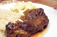 Rôti de bas de palette à l'orange et au miso - Banlieusardises Poultry, Steak, Orange, Cooking, Roast Beef, Roti Recipe, Dutch Oven, Pork, Food