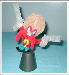 """Yosemite Sam - """"What in Tarnation is goin' on?"""" inches to the top of his gun SOLD Pipe Cleaner Yosemite Sam Pipe Cleaner Art, Pipe Cleaner Animals, Pipe Cleaners, Crafts To Do, Arts And Crafts, Yosemite Sam, Spool Knitting, Chenille, Art Images"""