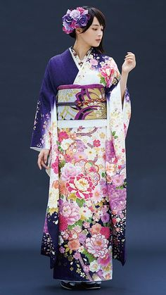 This kimono looks very royal. Using a rich royal purple, complimented by pink flora. Japanese Outfits, Japanese Fashion, Asian Fashion, Furisode Kimono, Kimono Dress, Traditional Japanese Kimono, Traditional Dresses, Kimono Tradicional, Moda Kimono