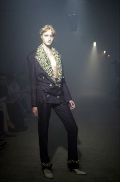 Couture Fashion, Fashion Show, Fashion Outfits, Fashion Clothes, Womens Fashion, Fashion Trends, Viktor Rolf, Couture Collection, Winter Fashion