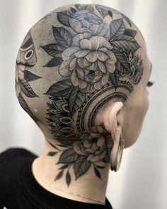 Nature tattoo by Kyle Stacher aka Thief Hands Bald Head Tattoo, Head Tattoos, Body Art Tattoos, Sleeve Tattoos, Kopf Tattoo, Face Tattoos For Women, Tattoo People, Geniale Tattoos, Bald Women