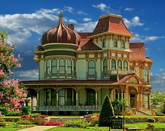 Morey Mansion - another of Redlands beautiful Victorian homes! Second Empire with Exotic Moorish style tower. Victorian Architecture, Amazing Architecture, Architecture Design, Beautiful Buildings, Beautiful Homes, Beautiful Places, Amazing Places, Abandoned Houses, Old Houses