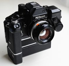Toss This In Your Trunk To Literally Save Your Camera Gear! Nikon F2, Camera Nikon, Camera Gear, Best Dslr, Best Camera, Old Cameras, Vintage Cameras, Photo Accessories, Camera Accessories