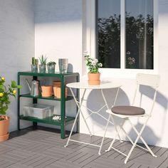 KOLBJÖRN green, Cabinet in/outdoor - IKEA for food recycling caddy storage Ikea Outdoor, Outdoor Forts, Indoor Outdoor, Outdoor Living, Outdoor Decor, Ikea Exterior, Interior Exterior, Green Shelves, Plant Shelves