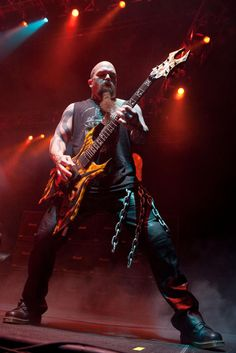 Slayer. Sounds like a more technical form of Venom to me, which is a marvelous thing. Slayer completely dominates the thrash metal world. Black Metal, Heavy Metal Rock, Heavy Metal Music, Heavy Metal Bands, Kerry King Slayer, Power Metal, Extreme Metal, Depeche Mode, Death Metal