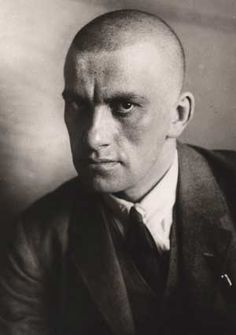 Vladimir Mayakovsky - Russian and Soviet poet, playwright, artist and stage and film actor. Photo by Alexander Rodchenko Alexander Rodchenko, Lili Brik, Vladimir Mayakovsky, Russian Poets, Anne Sexton, Russian Constructivism, Russian Avant Garde, Avant Garde Artists, Playwright