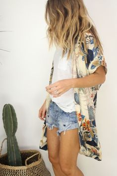 Spring & Summer 2017! White tee, cut offs with cream kimono with navy & orange print. Summer kimono #stitchfix #sponsored