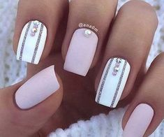 21 Elegant Nail Designs for Short Nails StayGlam - designs elegant nails short stayglam - FunkyDesign Elegant Nail Designs, White Nail Designs, Short Nail Designs, Elegant Nails, Gel Nail Designs, Nails Design, Pretty Designs, Perfect Nails, Gorgeous Nails