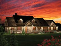Plan W89821AH: Corner Lot, Ranch, Craftsman, Northwest House Plans & Home Designs