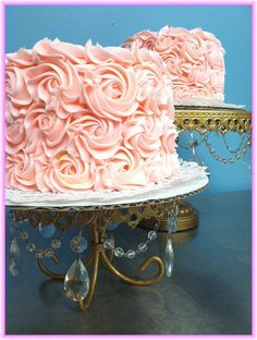 The PeaceBaker makes gorgeous gluten free cakes for any occasion!