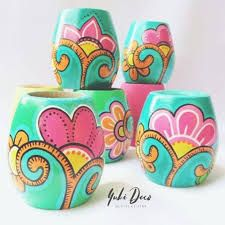 Painted Plant Pots, Painted Flower Pots, Bottle Painting, Bottle Art, Diy Crafts Hacks, Diy Crafts To Sell, Flower Pot Art, Pottery Painting Designs, Ceramic Flower Pots
