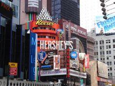 D stores   Hershey Chocolate in New York City - Hersheys Times Square, New York ...