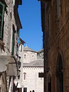 Céu lindo em Kotor-Montenegro