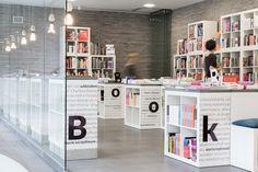 Boghandel indrettet med Ikea reoler. Bookowski  by KASIA ORWAT