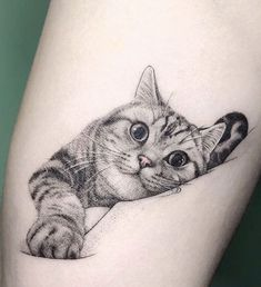 cat tattoo designs Its easy to see the creativity, artistic talent, and love for felines that goes into making them. Here are some of the best cat tattoos from kitty parents who need to show their love forever. Mini Tattoos, Trendy Tattoos, Flower Tattoos, Body Art Tattoos, Small Tattoos, Black Cat Tattoos, Tattoo Floral, Kitty Tattoos, Temporary Tattoos