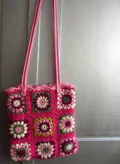 Yeah, I really want to crochet a granny square bag!