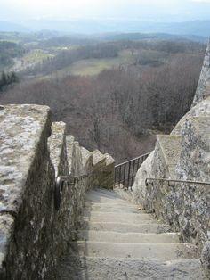 La Verna: una scala sulla valle