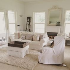 Little Farmstead: Farmhouse Living Rooms (Tips for Living with White) Scandi Living Room, Farmhouse Living Room Furniture, Cottage Living Rooms, Home And Living, Living Spaces, Shabby Chic Farmhouse, Country Farmhouse, Country Living, Farmhouse Decor