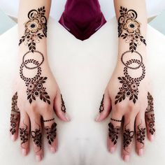 1000 Simple and Easy Henna Tattoo Designs for Brides on Wedding. Latest collection henna tattoo designs with various pattern and style for brides on wedding Khafif Mehndi Design, Rose Mehndi Designs, Back Hand Mehndi Designs, Finger Henna Designs, Henna Art Designs, Mehndi Designs For Girls, Mehndi Designs For Beginners, Modern Mehndi Designs, Mehndi Design Photos