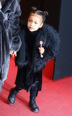 . . . Pinterest: @1Jocelynn Kanye West Family, Kanye West Kids, Jenner Kids, Kris Jenner, Kim Kardashian Kanye West, Kourtney Kardashian, Celebrity Babies, Celebrity Children, Cute Baby Clothes
