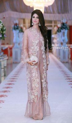 Pakistani Fancy Dresses, Beautiful Pakistani Dresses, Pakistani Wedding Outfits, Pakistani Dress Design, Indian Dresses, Wedding Outfits For Women, Wedding Dresses For Girls, Party Wear Dresses, Stylish Dresses