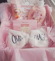 girlfriend in hospital - girlfriend hospital Hospital Gift Baskets, Hospital Gifts, Hospital Bed, Girly Gifts, Cute Gifts, Best Gifts, Cute Birthday Gift, Unique Birthday Gifts, Gifts For Family