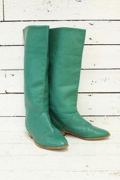 green vintage boots http://www.sugarsugar.nl/vintage-schoenen-c-35.html