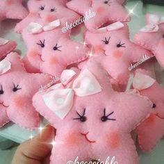 Cute Crafts, Felt Crafts, Diy And Crafts, Crafts For Kids, Felt Christmas Ornaments, Christmas Crafts, Sewing Projects, Craft Projects, Baby Shawer