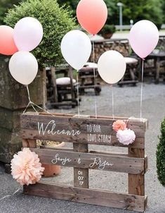 Budget wedding reception ideas for the couple trying to save money .- Budget wedding reception Ideas for the couple trying to save money up Wedding Reception On A Budget, Wedding Blog, Wedding Ceremony, Dream Wedding, Wedding Day, Pallet Wedding, Diy Wedding Deco, Simple Wedding On A Budget, Tacky Wedding