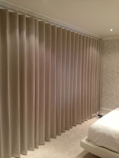 Wave heading on motorised track - Fabric Lounge Curtains, Wave Curtains, Ceiling Curtains, Curtains Living, Curtains With Blinds, Curtain Styles, Curtain Designs, Cortina Wave, Rideaux Design