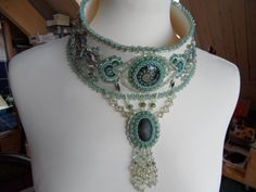 cuffed collar bead embroidered on ultra suedine por MaisonBarbara