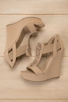 Shop the latest women's nude wedges in neutral shades of beige, pink and brown. Pretty Shoes, Beautiful Shoes, Cute Shoes, Me Too Shoes, Dream Shoes, Crazy Shoes, Heeled Boots, Shoe Boots, Mode Rockabilly