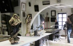 Atelier for restoration of paintings, sculptures and art objects. Fine Art Conservator - paintings - sculptures. conservation studio KERAT tel. 0495/513387 info@kerat.be www.kerat.be - www.art-restaurat... I am an independent qualified conservator restaurator of art works. I have a particular expertise in art restauration. My clients are: Antiques dealers, Private individuals, interior designers, decorators, architects, developers, collectors, museums, private persons, galleries…