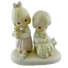 Precious Moments TO A VERY SPECIAL SISTER 528633 Family New