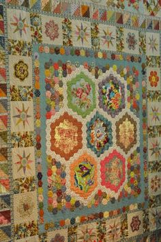 David's cottage down the hill.: Quilt Show Pour L'Amour Du Fil #1 Leigh Latimore quilt