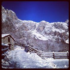 #naturaleza_cantabria #cantabria #cantabriainfinita #fuentede #picos #picosdeeuropa #nieve #snow #trekking #caminata #walking #invierno #winter #frio #cold #sol #sun