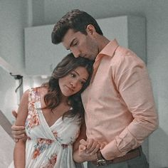 Jane The Virgin Rafael, Jane And Rafael, Tv Show Couples, Cute Couples, Best Tv Shows, Favorite Tv Shows, Rafael Solano, Spencer And Toby, Justin Baldoni