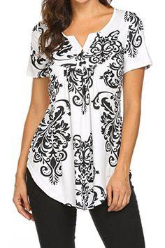 Casual Graphic Print Paneled V-neck Curved hem Sheath T-shirt - Shopingnova