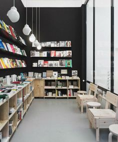 Segunda tienda do you read me Book Cafe, Bookstore Design, Library Design, Book Design, Bookstores, Souvenir Store, Museum Shop, Library Furniture, Retail Space