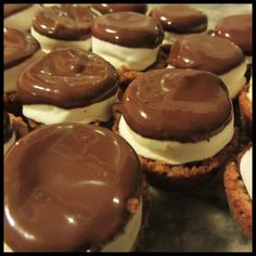 s'mores cups. all the yumminess of a campfire without all the fire.
