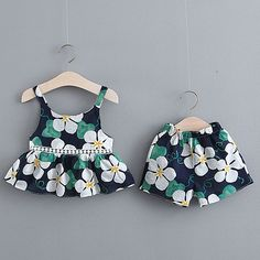 Best 12 Baby / Toddler Summer Floral Print Strappy Top and Shorts with Hat Set – SkillOfKing. Girls Frock Design, Baby Dress Design, Baby Girl Dress Patterns, Cute Baby Dresses, Toddler Girl Dresses, Cute Baby Clothes, Baby Outfits, Kids Outfits, Baby Girl Frocks