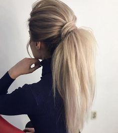 Gorgeous Ponytail Hairstyle Ideas That Will Leave You in FAB Wunderschöne Pferdeschwanz Frisur Ideen Cute Ponytail Hairstyles, Wavy Ponytail, Cute Ponytails, Winter Hairstyles, Pretty Hairstyles, Wedding Hairstyles, Hairstyle Ideas, Ponytail Ideas, Perfect Ponytail