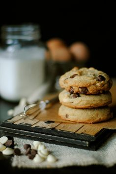 Milk Chocolate Chip Cookies, Milk Cookies, White Chocolate Chips, Yummy Cookies, Cookies Et Biscuits, Cupcakes, Delicious Desserts, Yummy Food, Fun Food