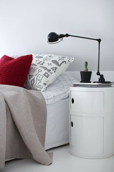 1000 images about kartell on pinterest round tower cane chairs and storage units - Kartell nachtkastje ...