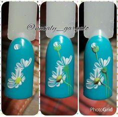 New fails art tutorial sunflower Ideas Fancy Nails, Diy Nails, Pretty Nails, Nail Art Fleur, Blue Nail Designs, Floral Nail Art, One Stroke Nails, Nail Decorations, Flower Nails