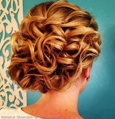By Jessica Sauer. #weddinghair #curls #updo @Bloom.COM