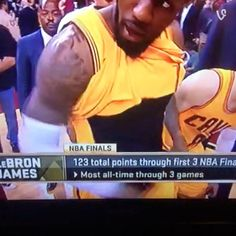 The 30 Best Reactions to LeBron James and His Epic Flash Last Night | E! Online Mobile