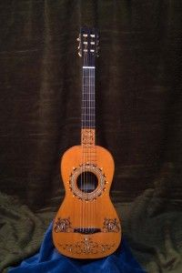 Josef Pagés, Cádiz 1825. Vihuela convertida en guitarra de seis cuerdas.