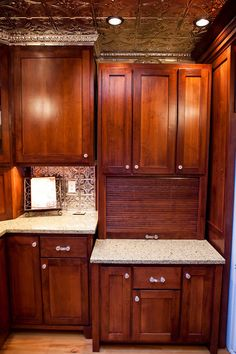 http://www.masterstouchwoodworking.com